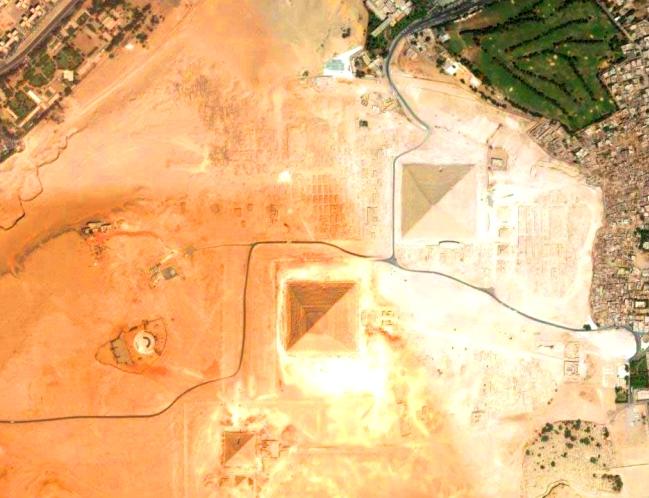 пирамиды древнего египта на карте спутниковая